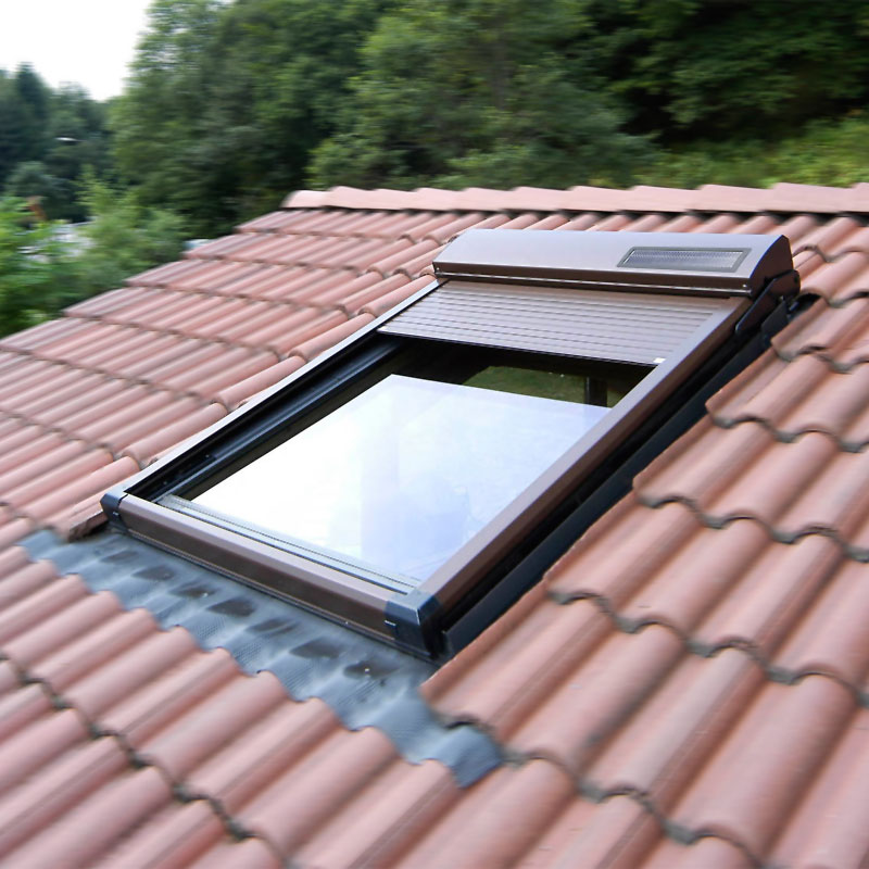 Abbildung 4 für Dachfensterrollladen ATIX® SOLAR für ROTO® Dachfenster inkl. Solarpaket